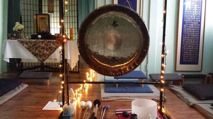 gong meditation tibetan bowls image